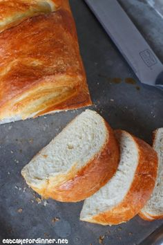 Soft and Chewy French Bread with Garlic Spread Eat Cake For Dinner: Soft and Chewy French Bread with Garlic Spread Bread Recipes, Cooking Recipes, Garlic Spread, Honey Cornbread, Best Blueberry Muffins, Bread Alternatives, Potato Cakes, Soda Bread, Le Diner