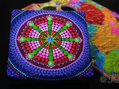 This is a gorgeous painting- so vibrant, colorful and tactile! Bright and amazing work of Dotillism Art, Meditation Mandala, Hand painted Mandala with - acrylic paint on Professional 3D Artist wrapped canvas 15x15x3,5cm (6x6x1,4inch) with perlas, which sparkles in different light.