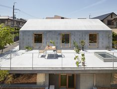 Floating Hut / Tomohiro Hata Architect and Associates