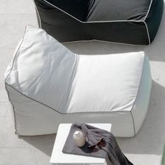 Contemporary garden and patio furniture from Talenti, one of the foremost Italian designers and manufacturers of luxury outdoor sofa and dining sets. Bean Bag Lounge Chair, Outdoor Bean Bag Chair, Beanbag Chair, Pool Lounge, Outdoor Lounge, Outdoor Chairs, Cozumel, White Bean Bags, Outdoor Furniture Sofa