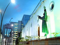 Iglesia de La Porciúncula Bogotá, Colombia. San Francisco, Statue Of Liberty, Fair Grounds, Explore, Fun, Travel, Colombia, Getting To Know, Statue Of Liberty Facts