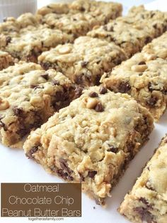Oatmeal chocolate chip peanut butter bars are a family favorite dessert. Soft cookie bars with oatmeal, peanut butter, peanut butter chips, and chocolate. Peanut Butter Chips, Peanut Butter Recipes, Peanut Butter Oatmeal Bars, Peanut Butter Brownies, Chocolate Peanut Butter, White Chocolate, Baking Recipes, Cookie Recipes, Dessert Recipes