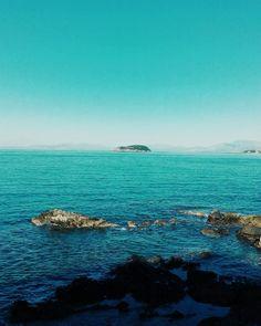 Mery Christmas to all. #unangeloinviaggio  Edit with @vscoG3  #italia #ltaly #calabria #vsco #vscocam #vscoitaly #landscape #landscapephotography #landscape_captures #landscape_lovers #amazing #awesome #bestoftheday #beautiful #beautifuldestination #photo #photography #photooftheday #travel #traveling #adventure #trip #nature #naturelovers #exploring #exploringtheglobe #sea #island