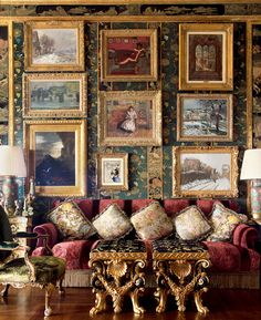 Opulent Living Room featuring this stunning gallery wall from Ann Getty's Book,. Home Decoracion, Best Decor, Classic Interior, Interior Modern, Decoration Table, Beautiful Interiors, Interior Inspiration, Interior And Exterior, Interior Decorating