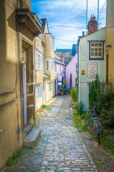 Bath Place, Oxford. One of the narrow lanes that lead to The Turf Tavern
