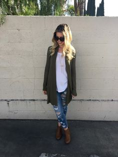 Lipstick & Jules - OLIVE YOU // ripped jeans and booties // comfy casual ootd