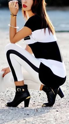 Black  White Stripes // Love the Boots