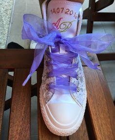 #Allstar, #scarpa di cambio, personalizzata con lacci del colore e tessuto desiderato e ricamo con iniziali e data...o un messaggio!