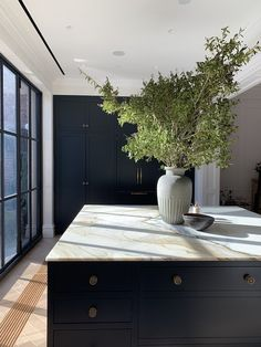 Kitchen Interior, Kitchen Decor, Kitchen Ideas, Interior Decorating, Interior Design, Beautiful Kitchens, Cheap Home Decor, Home Kitchens, Home Remodeling