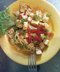 Hermelínový salát Bruschetta, Bon Appetit, Toast, Chicken, Ethnic Recipes, Food, Essen, Meals, Yemek