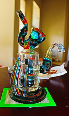 420 Stoner Bongs and Pipes For Sale - Buy Salvia Extract online to fill the bong at http://buysalviaextract.com/ ~ love the colors!