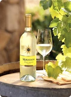 Mirassou California Pinot Grigio reveals intense aromas and flavors of peach, pear and citrus with crisp, lively acidity create an exceptionally refreshing wine.