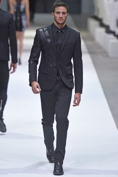 Dirk Bikkembergs Men's RTW Fall 2015 - Slideshow