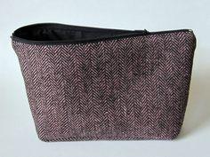 Schminktäschchen - Schwarz Rosa Kosmetiktasche mit schwarzem Futter - ein Designerstück von Norsthings bei DaWanda