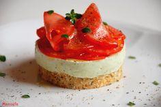 La via delle spezie: Cheesecake al basilico con petali di pomodoro.