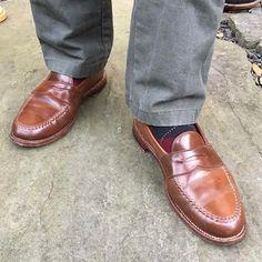 thrombonsf #Alden #ravello leisure handsewns #LHS and @weargustin duck canvas trousers with #marcoliani #argyle #socks #horween #shellcordovan #ravelloshellcordovan #menswear #aldenarmy #aldenshoes #madeinusa 2017/01/30 05:42:40