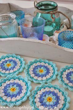 'T Busy Bijtje Tutorial crochet flower coasters