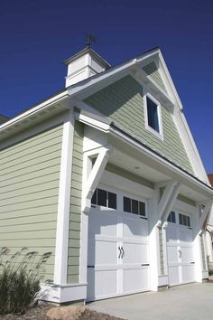 Like the carriage house garage doors. Up House, Garage House, House Front, House Doors, Tiny House, Garage Exterior, Exterior House Colors, Exterior Design, Exterior Paint