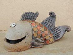 Michaela Lindovská | Galerie V-ATELIER Bird Doodle, Ceramics Projects, Ceramic Animals, Michaela, Doodles, Pottery, Clay, Sculpture, Garden Ideas