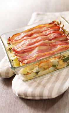 Recette au gratin with chard and smoked breast - Cuisine / Madame Figaro Lasagna, Camembert Cheese, Dairy, Cooking, Ethnic Recipes, Figaro, Madame, Food, Mille
