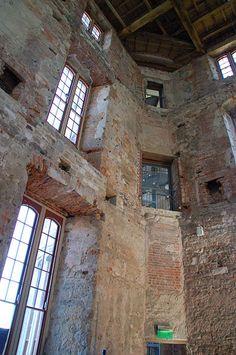 File:Lulworth Castle Interior 01.jpg