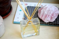 DIY Essential Oil Diffuser (I used olive oil and pure vanilla extract) Diy Essential Oil Diffuser, Making Essential Oils, Easy Diy Crafts, Crafts To Sell, Craft Tutorials, Diy Projects, Craft Ideas, Crochet Projects, Homemade Xmas Gifts