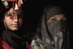 """""""Afganistán tiene el índice de mortalidad materna más alto y la menor esperanza de vida para las mujeres en el mundo"""" , por lo que es el último país del Índice de las Madres, compilado en los últimos 12 años por la organización no gubernamental Save the Children  (""""salven a los niños"""") ."""