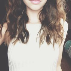 Do you guys have any tips or know how to curl your hair like this? I tried but i did them messy and awful X