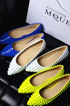 Exclusive customize CL rivets flat shoes fluorescent color wild shoes Christian Louboutin flat heels-ZZKKO