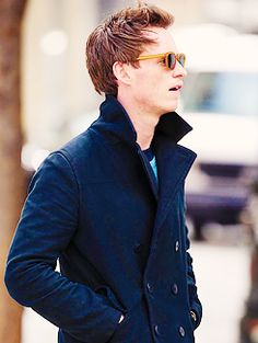 <3 ON TOP 10 FAVORITE  ACCESSORIES/OUTFIT ON EDDIE <3