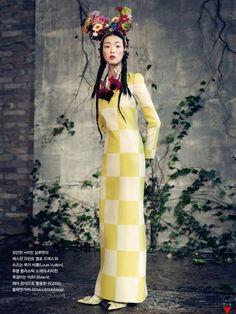 Vogue Korea 2013 > I want to wear a dress like that. Perhaps not the head-piece though.