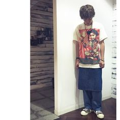 SnapWidget | leap 浅野敬亮。 ファッションポイントは福岡の古着屋で見つけたこのOBEYのTシャツ! impactのあるプリントがお気に入りです♫ #buddyhair_fashionnews #古着#OBEY#美容師