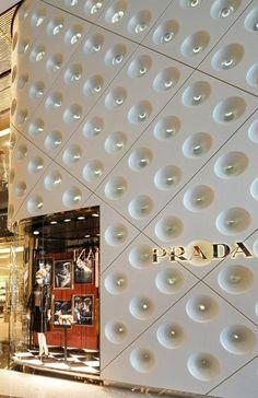 Façade Prada store, IFC Mall, Shanghai by Double Stone Steel Mall Design, Retail Design, Store Design, Stone Interior, Interior And Exterior, Interior Paint, Dark Interiors, Shop Interiors, Aluminium Cladding