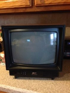 Small Television in agoing's Garage Sale in Omaha , NE for $10.