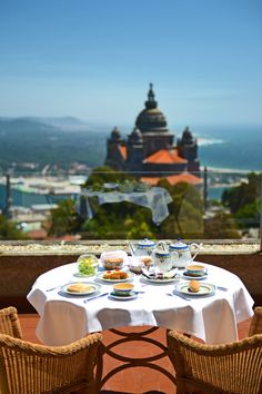 Pousada Viana is a hotel in Viana Castelo. With pool and a stunning view, this charming hotel will provide you with an unforgettable stay. Portugal, Sea Activities, Sunny Beach, Atlantic Ocean, Stunning View, Surfing, Places To Visit, Hotel, Table Decorations