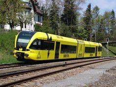 RABe 526 707 mit der Werbung Radio Top - Tele Top am in Mörschwil Swiss Railways, Trains, Europe, Fabrics, Advertising, Pictures, Train