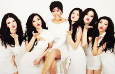 i wanna do a family portrait like this with my mommy and sisters.