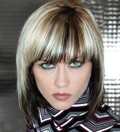 Dark underparts topped with a bold blonde hair shades two tone hair color designs Blonde Hair Shades, Blonde Color, Professional Hair Color, Professional Hairstyles, Unique Hairstyles, Bob Hairstyles, Beautiful Hairstyles, Hairdos, Hair Color Experts