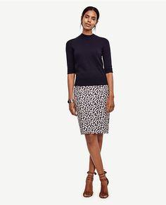 a078734065 Curvy Gingko Print Pencil Skirt | Ann Taylor Printed Pencil Skirt, Printed  Blouse, Off