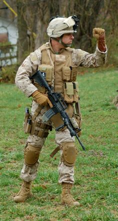 Uniform Packages | United States Marine Corps Historical Company Marine Corps Uniforms, Marine Corps History, Marine Officer, Us Marine Corps, Us Marines Uniform, Military Girlfriend, Military Guns, Military Spouse, Military Uniforms
