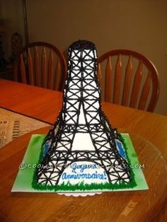 Eiffel Tower Cake... This website is the Pinterest of birthday cake ideas