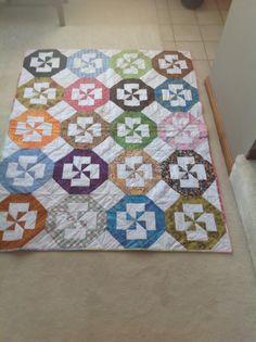 Disappearing pinwheel quilt