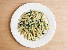 ゴルゴンゾーラ・クリームソース - 深みのある濃厚なゴルコンゾーラの香りが口の中いっぱいに広がる Quick Pasta Sauce, Asparagus, Green Beans, Vegetables, Food, Studs, Essen, Vegetable Recipes, Meals