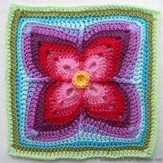 Are you looking for a one-of-a-kind, jaw-dropping granny square pattern? Then look no further than this Firenze Crochet Granny Square. This pattern, simply put, knocks it out of the park. Point Granny Au Crochet, Crochet Squares Afghan, Crochet Motifs, Granny Square Crochet Pattern, Crochet Blocks, Single Crochet Stitch, Crochet Stitches, Crochet Crafts, Scrappy Quilts