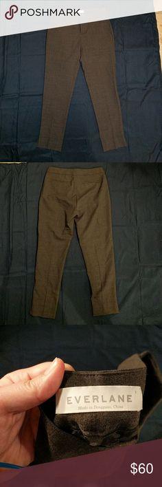 Everlane wool pants 95% wool 5% elastine pants. Design name is slim wool pant in charcoal. Never worn Everlane Pants Skinny