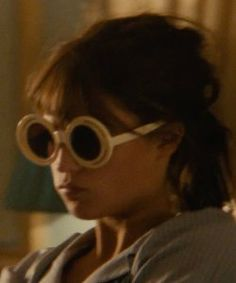 alicia vikander man from uncle  | Alicia Vikander with Tory Burch Round Gradient Sunglasses in The Man ...