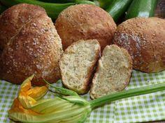 Zucchini-Brötchen mit Maismehl