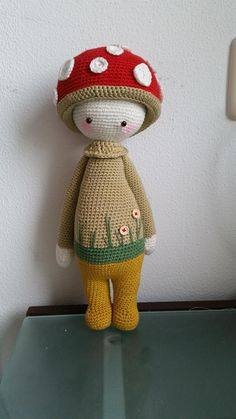 PAUL the toadstool made by Yt H. / crochet pattern by lalylala