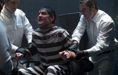 La tortura di Pinguino, Gotham, A Dead Man Feels No Cold, Fox/DC Comics (C)