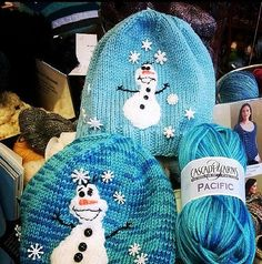 Snowman Hat for an Ice Princess Knitting Pattern by Manuelita White | Frozen Inspired Knitting Patterns at http://intheloopknitting.com/frozen-knitting-patterns